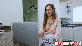 Hot Stepmommy Tricia Oaks Fucked Stepson's BIG COCK 8 min