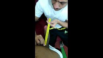YouTuber foi medir o pau do seu amigo e ele pediu pra ser chupado Instagram dele @cezinhahml