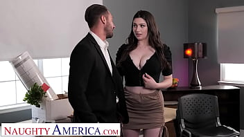 Naughty America - Big tit brunette Alyx Star fucks her boss to get that promotion 7分钟