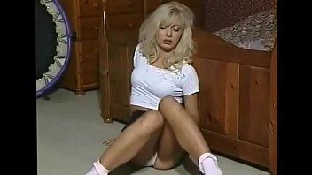 crazyamateurgirls.com – Lea Martini  Solo Slutty housewife – crazyamateurgirls.com