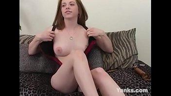 Glamour Babe Amber Masturbating