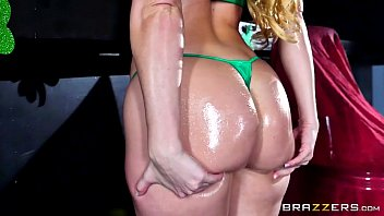Brazzers - Aj Applegate - Big Wet Butts