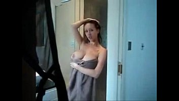 She Discovers the Hidden Camera and Plays with Her Body - xxlivecamgirls.com