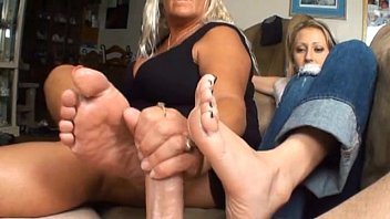 Cellphone footjob 2 girls sexy footjob