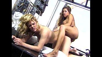 Metro - Lesbian Sex 04 - scene 7 - extract 2