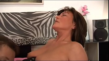 Mature women materbating thumbs - Mature women hunting for young cocks vol. 27