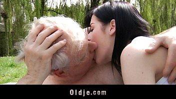 açılan gerçek ilk seks deneyim porn
