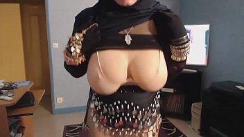 salope arabe a gros nichons