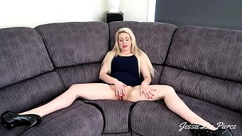 PREVIEW JESSIELEEPIERCE.MANYVIDS.COM THE ULTIMATE MOM AND SON SCENE