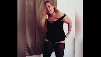 Cougar milf striptease SFW