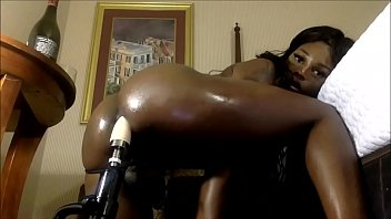 "Busty Ebony Tranny Using Her Sex Machine <span class=""duration"">3 min</span>"