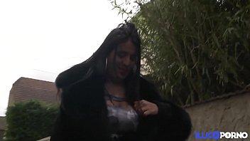 Chubby Sarah Renoue Avec La Sodomie, En Double Penetration ! [Full Video]