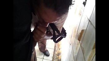Gay man toilet Banheirão / sacanagem pegação no banheiro público 6