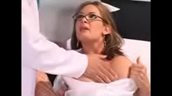 """دكتور والممرضه يكشف عليها ينيكها رابط تكملة الفيلم http://bit.ly/2HQgarT <span class=""""duration"""">23 min</span>"""