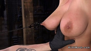 Natural Huge Tits Brunette Pussy Toyed