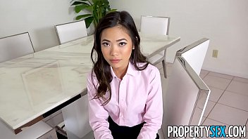 PropertySex - Hot petite Asian real estate agent fucks her boss 12分钟