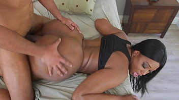 Victoria Cakes Goes For A Jog And Her Black Big Ass Bounces Up And Down