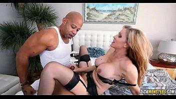 Hot MILF Julia Ann Wants To Taste Black Dick