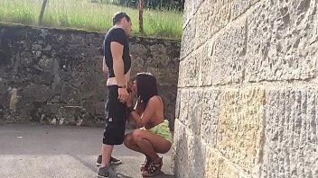 Beurette qui suce dans la rue et elle se fait baiser chez elle thumbnail