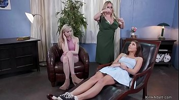 Lesbians anal banged on therapy