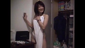 Japanese amateur pussy grind desk corner-->日本の素人マンコ
