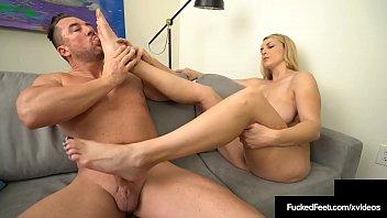 Ped fuck - Big butt babe joslyn jane gives a fine fucking footjob