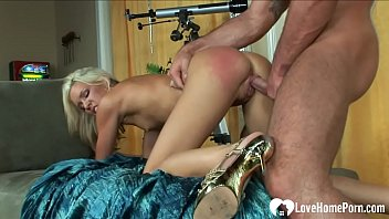 Mesmerizing blonde cannot have enough of him 21分钟