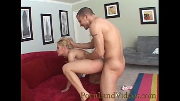 blonde sexy babe looks like Marilyn Monroe fucking big cock