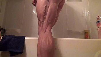 Sexy muscular legged bbw Tempest Yvette Jones fucks herself with Dildo