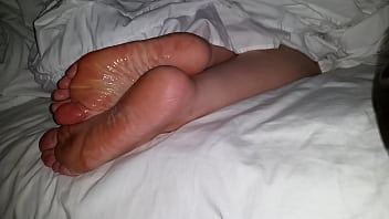 Cumming On Girlfriend's Feet #29 2分钟