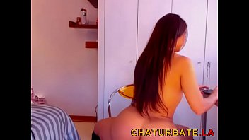 curvy muscled babe w big-tits and incredible body cam show at www.chaturbate.la