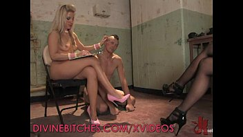 Blonde pegging her male slave