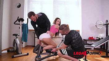 Athletic gym slut Regina Sparks double penetrated to the extreme after XXX workout GP816 Image