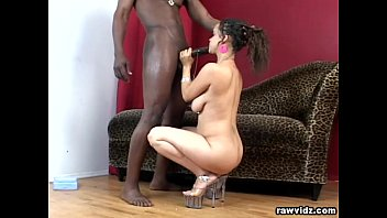 Guy puts his head in girls gian pussy Contessas interracial fucking
