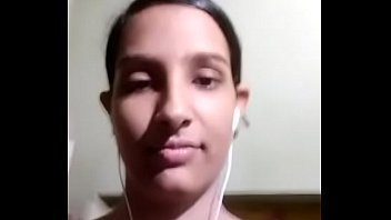 Cute Indian Girl Showing her Boobs and Pussy