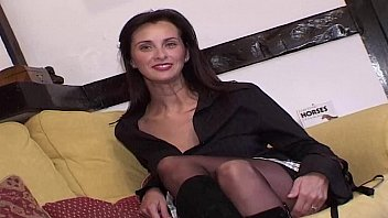Uk swinger kermi Ultimate swinging milf