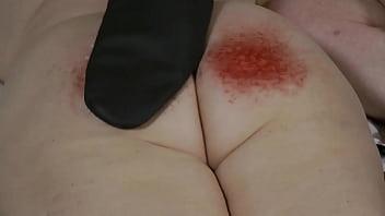 12-Feb-2018 Needle Mitten Ass Spanking (Sklavin/Esclave/slave)
