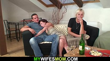 He bangs her old hairy cunt from behind