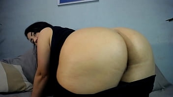 chubby girl ge naughty after gym and fuck big fat pussy by black dildo from behind