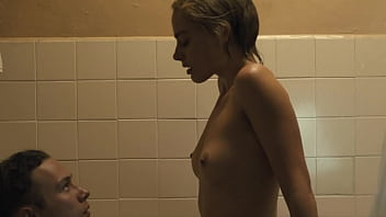 Margot Robbie in DREAMLAND - topless, tits, nipples, nude boobs 2019