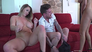 French Pornstar Anissa Kats's Some friends w/ benefit in sassy Victoria Summers & her big dicked boyfriend 11分钟