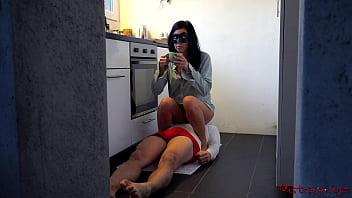 Naked adult asian women handjob cumshot compilation