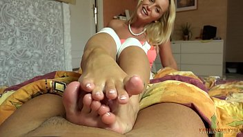 Image: Mommy and her feet are the best DATE!!!