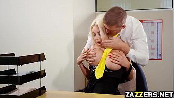 Nicolette Sheas pussy screwed by Marc Rose 7分钟