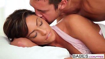 Babes - HONEYMOON - Tiffany Brookes
