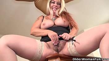 Chubby woman fingering - Busty milf joclyn stone from the usa fingers her hairy pussy