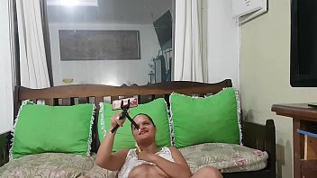 Quer ver uma gozada real ? Paty Bumbum faz videochamada na promoção para evitar que homens vão descarregar nas primas !!! Evite o corona vírus !!! 10 min - 20 reais e 20 min 40 reais ( pagamento antecipado via pic pay ou ted )