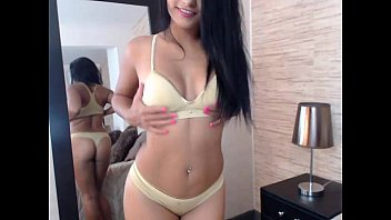 Tiny babe squirt - free webcam rooms 19 5分钟