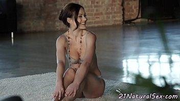 Beautiful girlfriend fucked hard by bf - 69VClub.Com