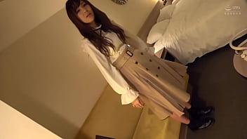 https://bit.ly/3t3nlTy 她是个动画怪人。 她三年来第一次做爱。 她细腻的皮肤和湿润的剃须小妞很好。 这是日本性感色情。